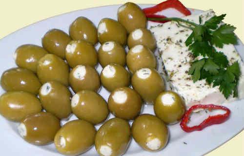 Маслины с сыром_острая сицилийская закуска.