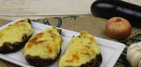 Баклажаны фаршированные овощами_ с помидорами и сыром