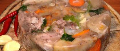 Рецепт холодца из свиных ножек мужужи_готовая закуска