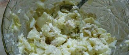 Салат с консервированными кальмарами, самый вкусный_ приготовление салата