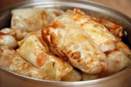 Голубцы в духовке в томатно-сметанном соусе_залить томатно-сметанным соусом