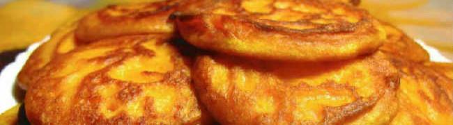 Оладьи из тыквы рецепт с фото пошагово_на тарелке оладьи