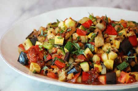 Рататуй рецепт с фото пошагово в духовке_овощная горка на тарелке
