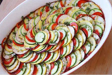 Рататуй рецепт с фото пошагово в духовке_сервировка на тарелке
