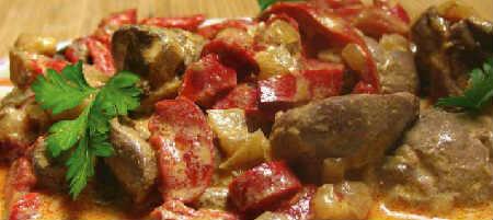 Печень куриная жареная с луком в сметане_вкусно
