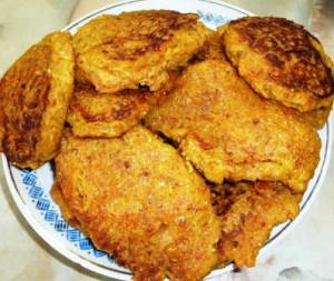 Рецепт морковных оладьев_выпекаем на сковородке