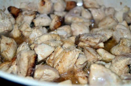 Фарфалле с курицей_ добавить соус и мед