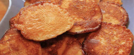 Творожные оладьи с яблоками, без яиц, рецепт с фото
