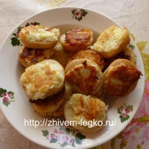 Горячие бутерброды с картошкой_пожарить кусочки батона