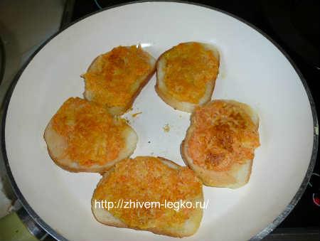 Горячие бутерброды на скорую руку_ломтики обжарить