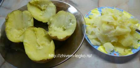 Картофель фаршированный фаршем_нарезать картофель на половинки