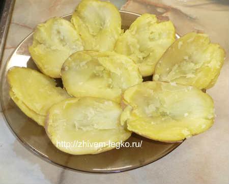 Картофель фаршированный в духовке_выбрать мякоть