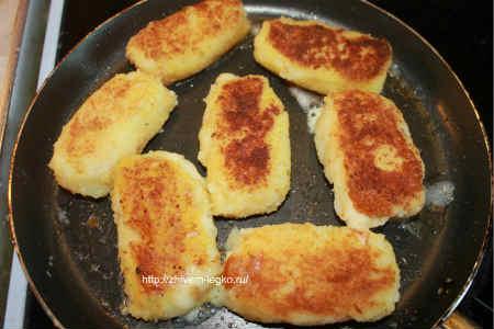 Картофельные палочки с сыром_ обжаривание
