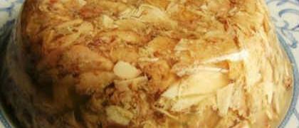 Как приготовить холодец из свиных ножек и курицы_готовое блюдо