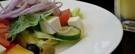 Салат греческий, рецепт классический с брынзой_как приготовить