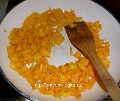 Запеканка из тыквы с творогом_обжарить мякоть тыквы