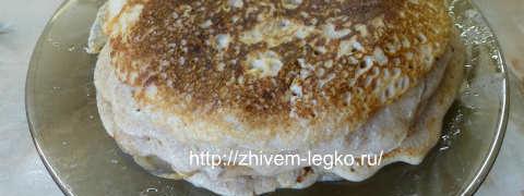 Блины из гречневой муки-рецепт_гречневые блины на тарелке