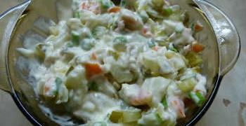 Салат с кальмарами- самый вкусный и простой_готовый салат