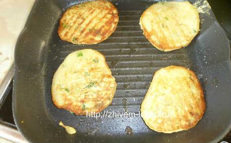 Кабачковые оладьи рецепт с фото пошагово_обжарить кабачки с 2 сторон