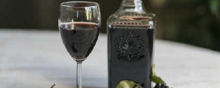 Ликер из черной смородины в домашних условиях_рецепт